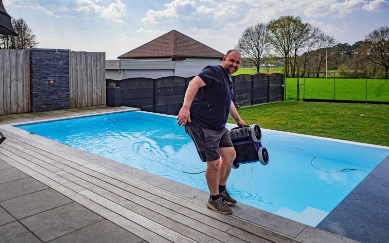 De zwembadbouwers | Bert Vandervoort | Onderhoud zwembad